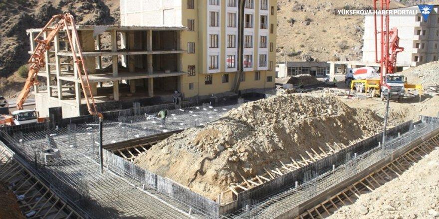 Şemdinli'de yarı olimpik yüzme havuzun temeli atıldı
