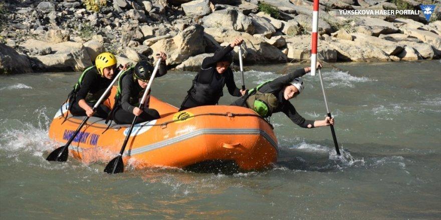 Hakkari'deki Rafting Şampiyonası'nın ikinci gün müsabakaları tamamlandı