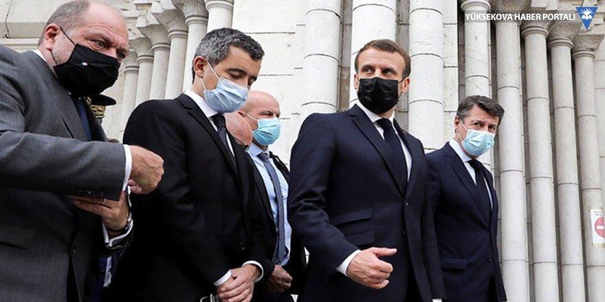 Macron: Fransa boyun eğmediği için saldırı altında