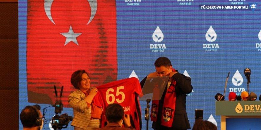 Babacan: Servet Turgut ile Osman Şiban'a yapılanları açığa çıkarın