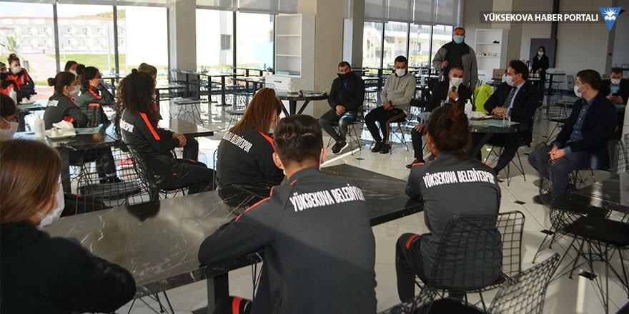 Yüksekova Belediyespor Kadın Futbol Takımı Ayvalık'ta kampa girdi