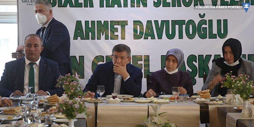 Davutoğlu: Demirtaş ve Kavala'nın tutukluluğu ihlal