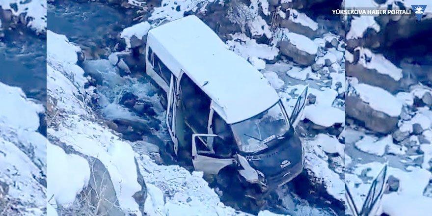 Şemdinli'de trafik kazası: 10 yaralı
