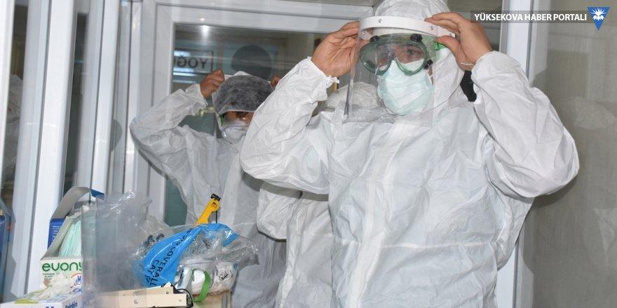 Türkiye'de koronavirüs nedeniyle 174 kişi hayatını kaybetti