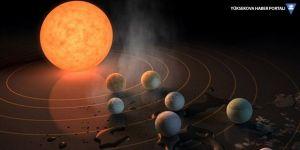 NASA: Dünyaya çok yakından üç göktaşı geçecek