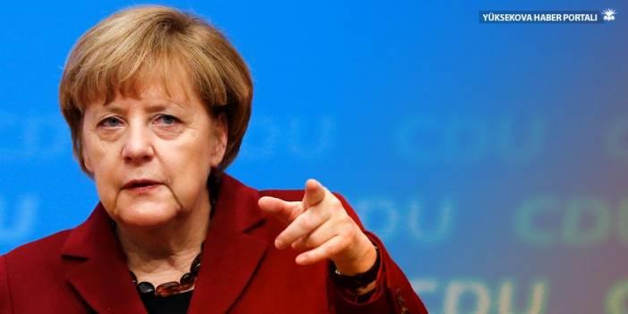 Merkel: Mültecilerin sırtından AB'ye baskı kabul edilemez