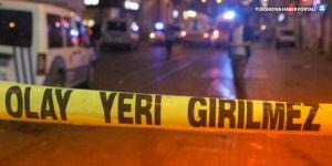 Gaziosmanpaşa'da silahlı çatışma: 1'i polis 2 yaralı