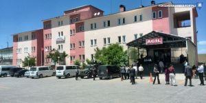 Çaldıran'da göçük: 4 yaralı