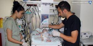 Suriyeli bebeğin kalbinin yarısı çalışmıyor