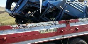 Otomobil nehre uçtu: 2 ölü
