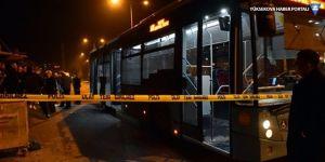Mersin'de belediye otobüsüne molotof kokteyli saldırısı: 3 yaralı!