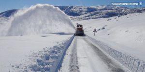 Hakkari ve Yüksekova'da kar temizleme çalışması