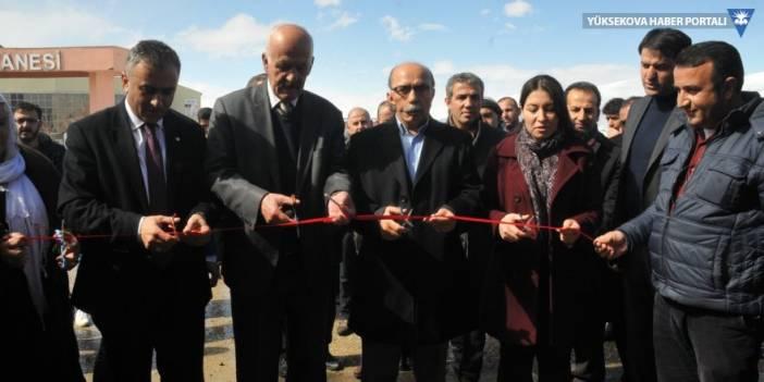 Yüksekova'da yeni bir eczane açıldı