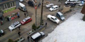 Hakkari'de dolu, Yüksekova'da kar yağışı