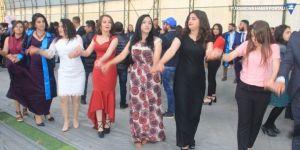 Hakkari Üniversitesinde halaylı mezuniyet töreni