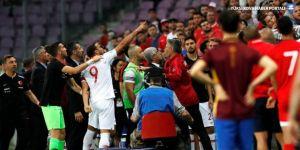 Türkiye Tunus'la berabere kaldı, seyirciler sahaya girdi