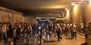 Zincirlikuyu'da metrobüs protestosu