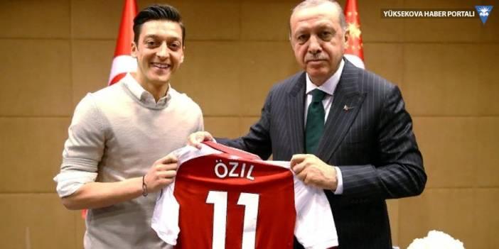 Merkel'in sözcüsünden Mesut Özil'e övgü: Harika bir futbolcu