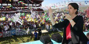 Yüksekova mitinginde konuşan Buldan: Gever bir barış kentidir - VİDEO