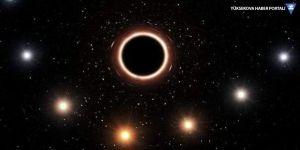 Einstein'ın kara delik teorisi kanıtlandı: Yıldız kırmızıya kaydı!
