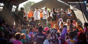 Endonezya'da yüzlerce turist aktif volkanda mahsur kaldı