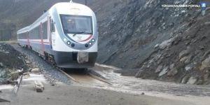 Erzincan-Sivas Demiryolu, heyelan nedeniyle ulaşıma kapandı