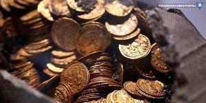 Amfi tiyatroda altın dolu sikkeler bulundu