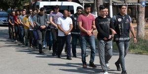 13 asker gözaltına alındı
