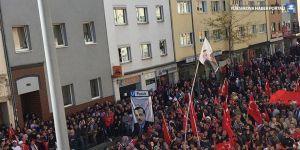 Alman polisinden Kürtçe ve Türkçe mesaj: İtişmeyin