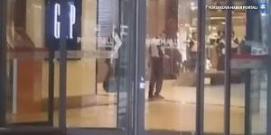 Gaziantep'te firari asker mağaza çalışanlarını rehin aldı