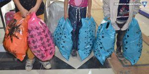 Yüksekova Haber'in 'Sen de bir öğrenci giydir' kampanyasında 200 öğrenci giydirildi