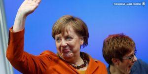 Merkel açıkladı: Aday olmayacağım!