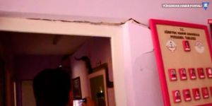 Duvarları çatlayan okul boşaltıldı