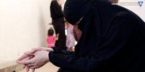 IŞİD'li kadın SDG'li asayiş üyesini bıçakladı