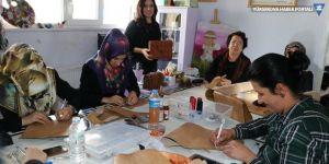 Vanlı kadınlar deri sanatını yaşatıyor