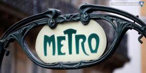 Metroda doğan bebeğe 25 yıl ücretsiz ulaşım