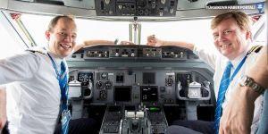 Yolcu uçağını Hollanda kralı uçurdu