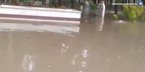 Mersin'de mezarlığı su bastı