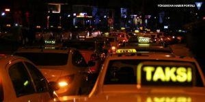 Taksi şoförü, aracına almak istemediği yolcu tarafından bıçaklandı