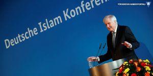 İslam Konferansı'nda domuz eti ikramı tartışma yarattı
