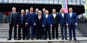 Ekrem İmamoğlu, CHP'li belediye başkanlarıyla görüştü