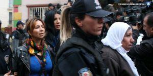 Diyarbakır'da polis HDP il binasına girdi