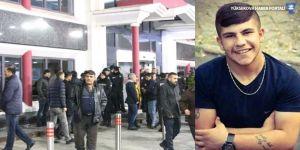 Polis ateş açtı, 17 yaşındaki genç öldü