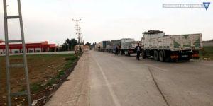 Karkamış'ta kamyon azaldı, asker çoğaldı