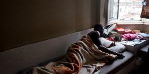 'Çabuk Çabuk' işinde çalışan Afrikalılar: Seyyar saat satıcısından ibaret değiller!