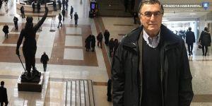 Hasan Cemal'in pasaportuna el kondu