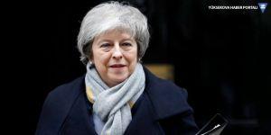 İngiltere'de Theresa May hükümeti güvenoyu aldı