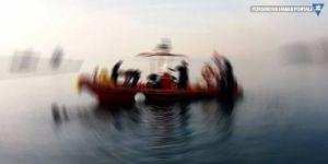 Akdeniz'de mültecileri taşıyan bot battı