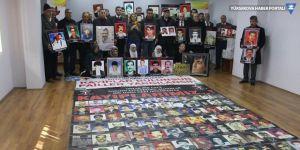 Kayıp yakınları Diyarbakır'da oturma eylemi yaptı