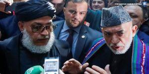 Taliban ve Afgan siyasiler Moskova'da barış masasında